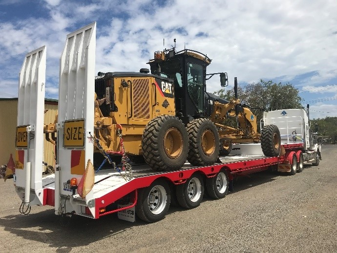 2014 Kenworth T409 with 2019 Triaxle Float